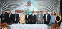 Câmara Municipal empossa Prefeita e Vice em Sessão Solene no Mercado Público Municipal